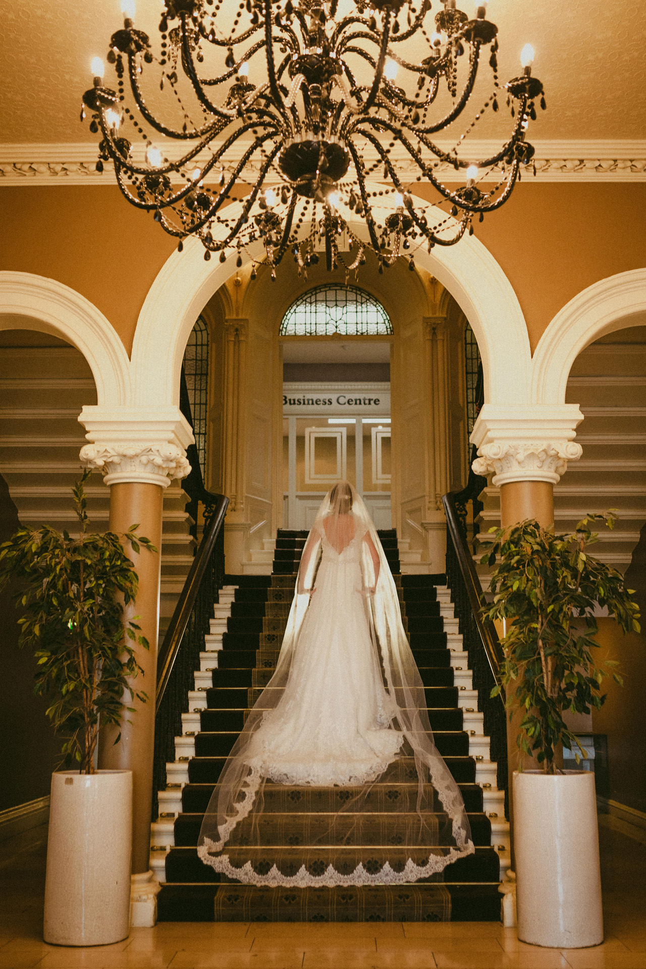 Royal-marine-hotel-wedding-photos13